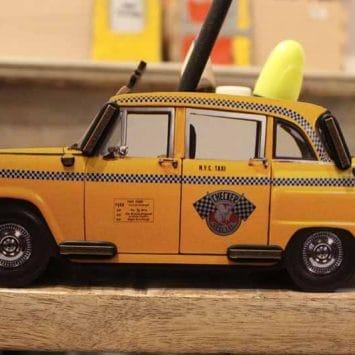 Pot à crayons Taxi Newyorkais en bois recyclé. WERKHAUS. Allemagne.