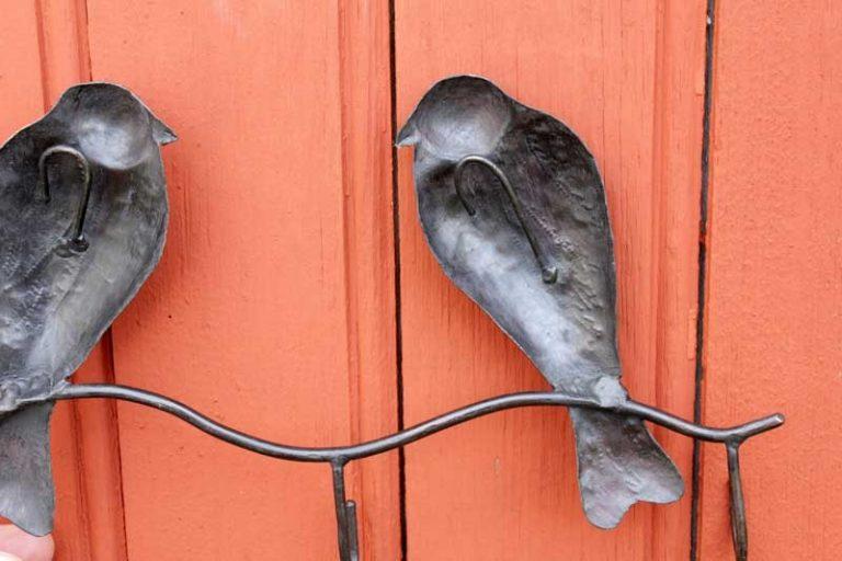 "Accroche- clés ""hirondelles"" en métal recyclé. Madagascar"