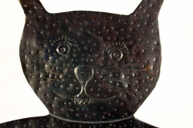 """Cadre """"chat"""" pour photo en métal recyclé. MADAGASCAR. Passer'Ailes."""
