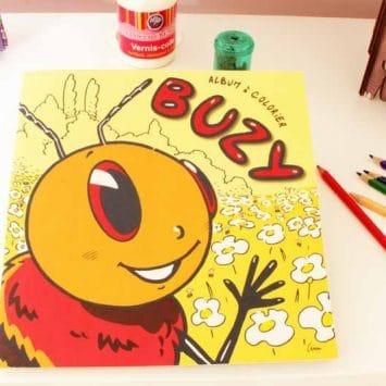 """Cahier de coloriage """"Buzy l'abeille"""". Papier recyclé. L'Arbre aux Papiers. Le Mans (France)."""
