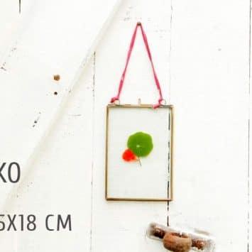 Exemples de cadres photo Kiko en laiton recyclé. Fait main. Nkuku.
