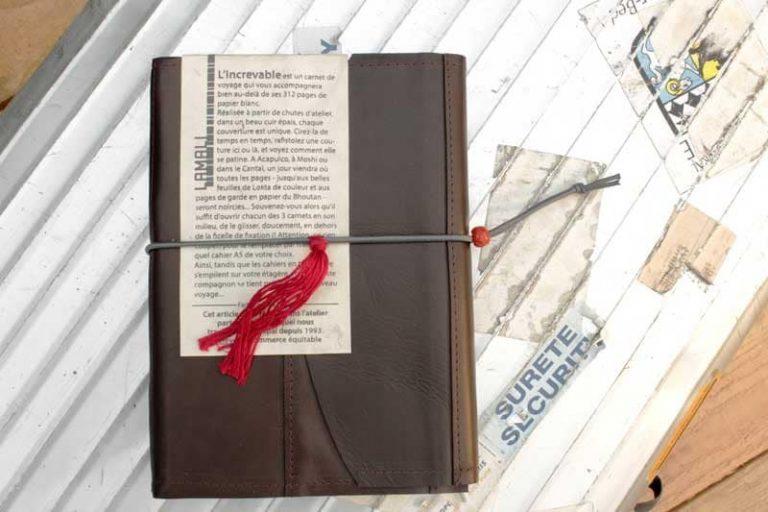 """Carnet rechargeable """"L'Increvable"""", de voyage & d'écriture en cuir, Lamali."""
