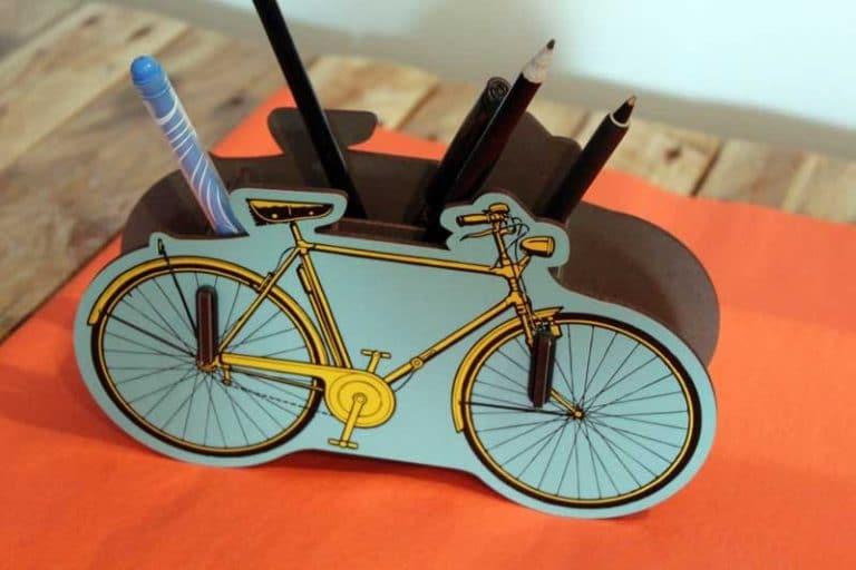 Pot à crayons Vélo en bois recyclé. WERKHAUS