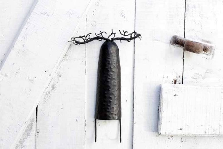 "Porte- bijoux mural/ Accroche- clés ""baobab"" en métal recyclé. Madagascar"