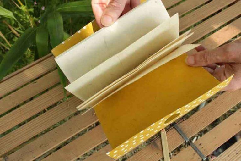 Un exemple d'intérieur d'un carnet de notes escapade. 32 pages de papier en fibres naturelles.