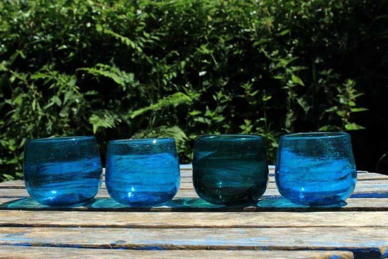 Verres Arnous soufflés à la bouche. Disponibles en turquoise ou transparent |Syrie.