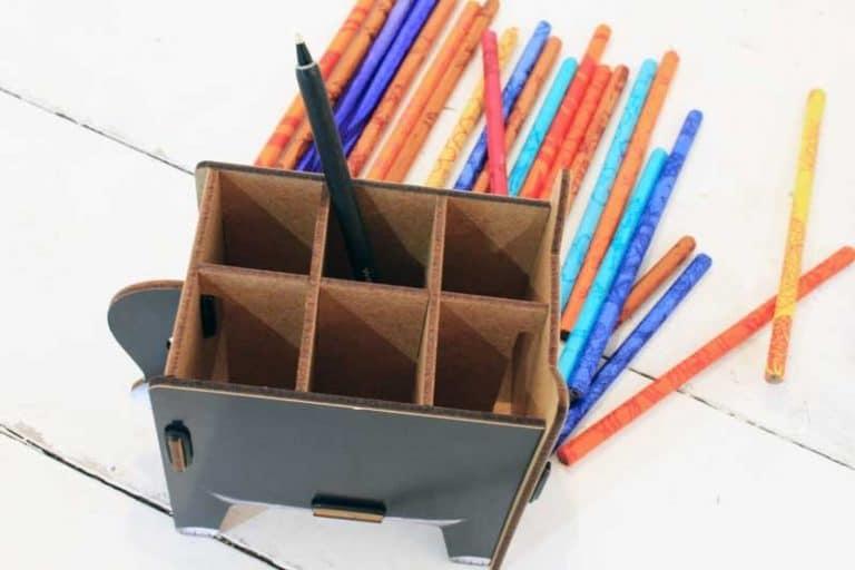 """Pot à crayons """"Chat"""" en bois recyclé. WERKHAUS"""