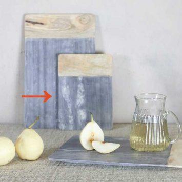 """Planche """"Bwari"""" en marbre gris et bois, Nkuku."""