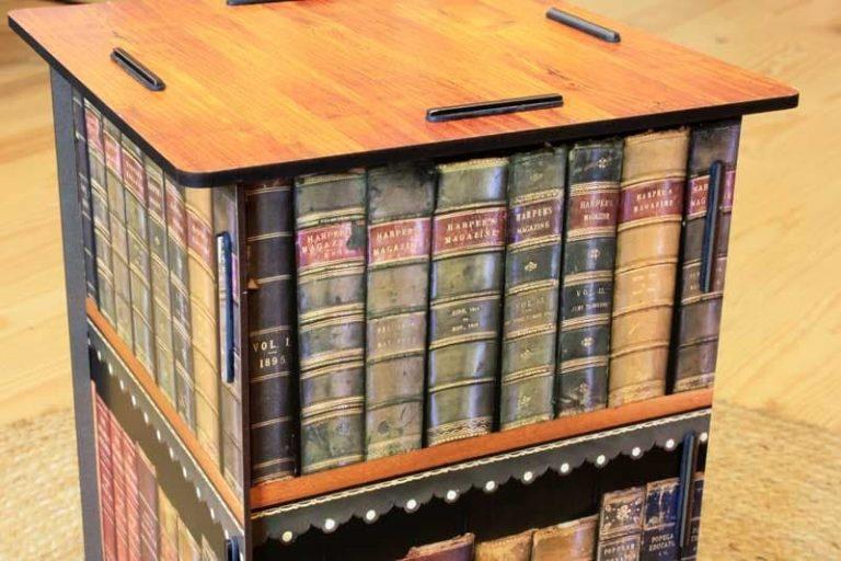 """Tabouret/ Table d'appoint """"livres"""" en bois recyclé. WERKHAUS"""