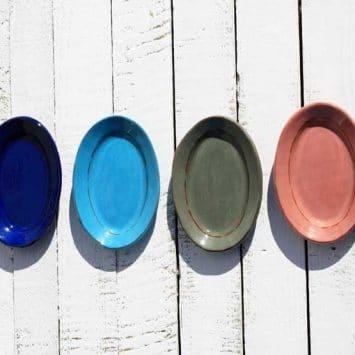 Petit plat ovale fait main, céramique. FRANCE (Provence)
