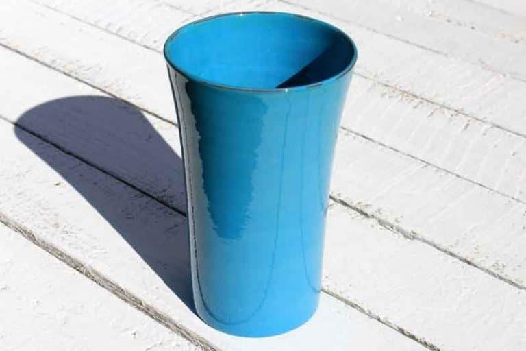 Vase fait main, céramique. FRANCE (Provence)