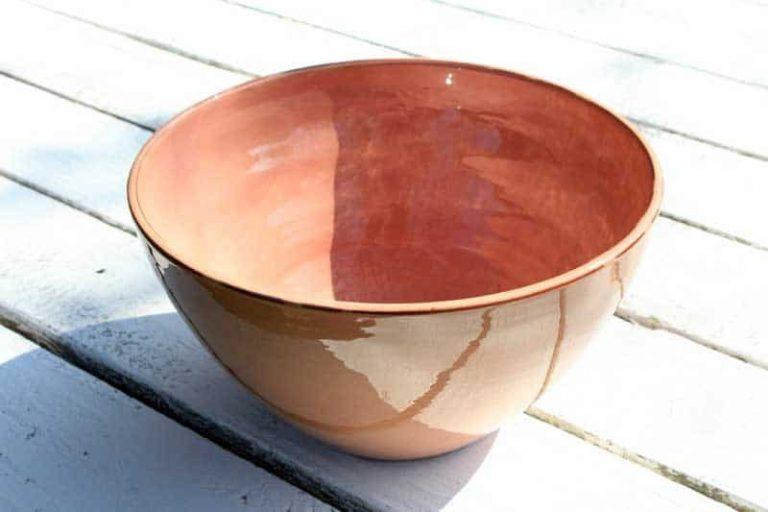 Saladier en céramique. Artisanat. FRANCE (Provence)