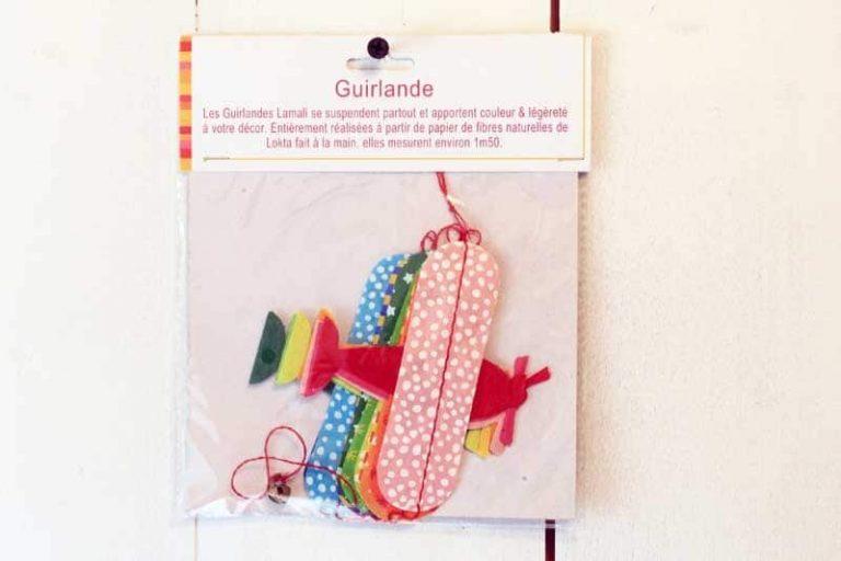 """Guirlande """"Avions"""" en papier Lokta. Lamali."""