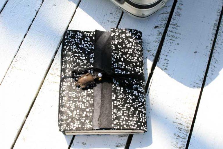 """Carnet PELERIN """"Ville"""" de voyage & d'écriture. Papier Lokta. NEPAL. Lamali."""