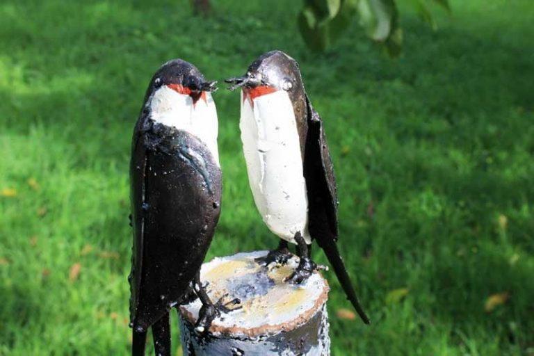 Couple d'hirondelles, en métal recyclé. Zimbabwe