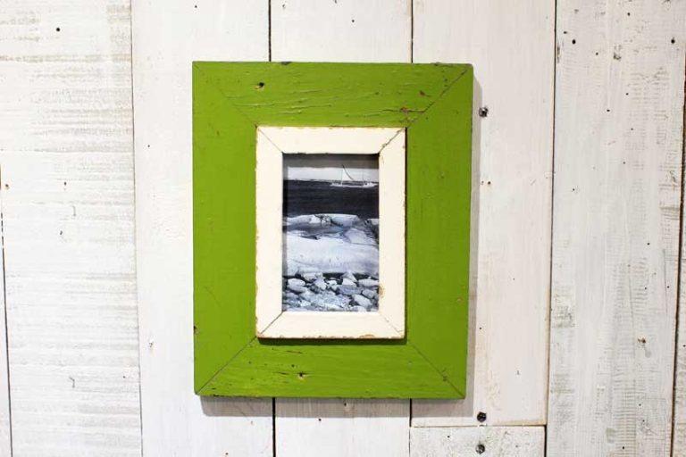Cadre photo 23x28 cm en bois de récupération (upcycling).