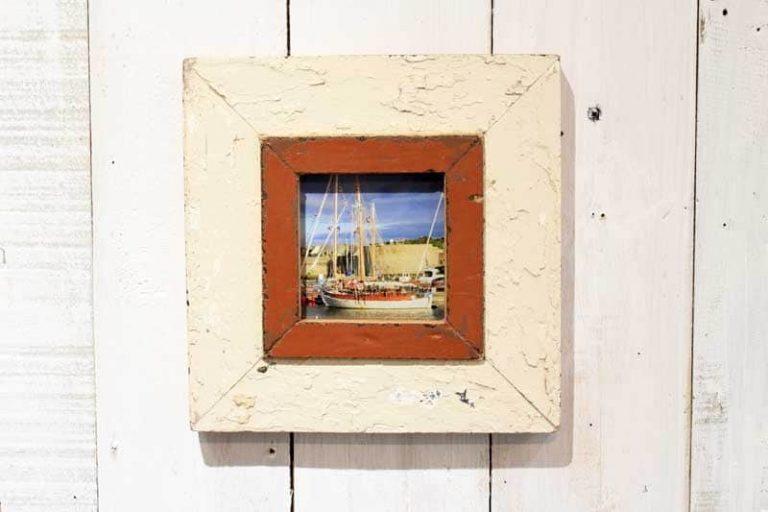 Cadre photo 23x23 cm en bois de récupération (upcycling).