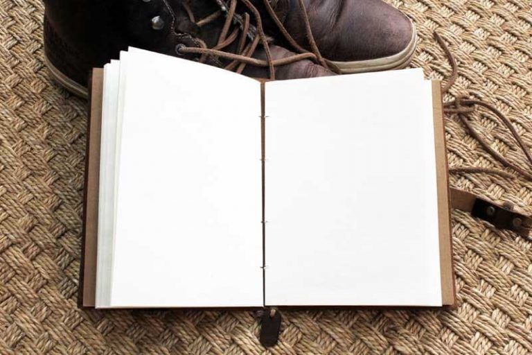 Carnet cuir ENKI 18 cmx 13 cm. Papier coton. NEPAL.