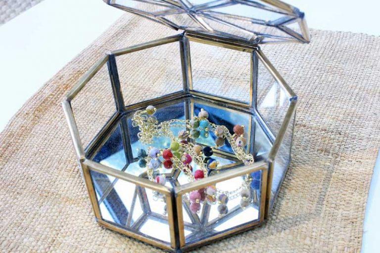 """Boîte à bijoux """"étoile"""" (et à trésors!) en verre et laiton. Fait main."""