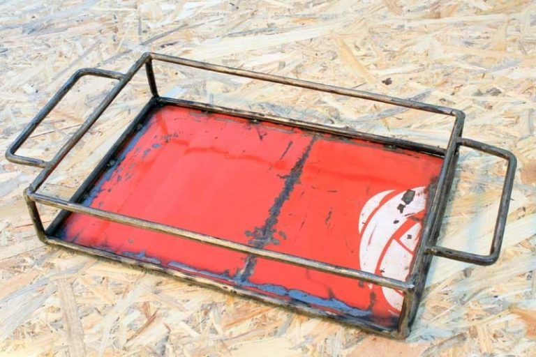 Plateau métal recyclé 20x30 cm. Burkina Faso.