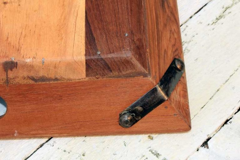 Plateau bois recyclé 40x35 cm, couleurs nuancées. Fait main.
