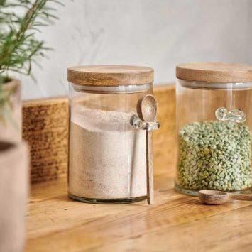 Bocal de cuisine avec couvercle en bois de manguier. Verre recyclé. Fait main.