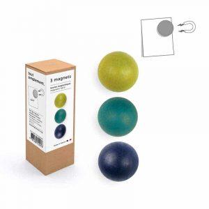 Puissantes boules magnétiques (3) en bois de hêtre. France.