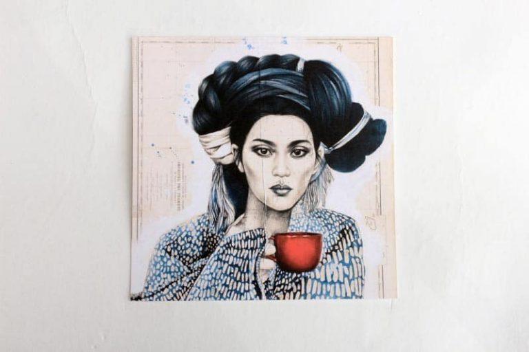 """""""La Tasse Rouge"""". Carte postale, sur Papier d'art. Stéphanie Ledoux."""