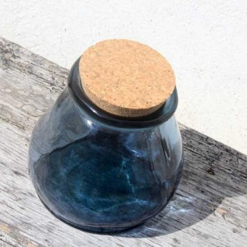 Pot avec couvercle en liège. Bleu. Verre recyclé. Espagne